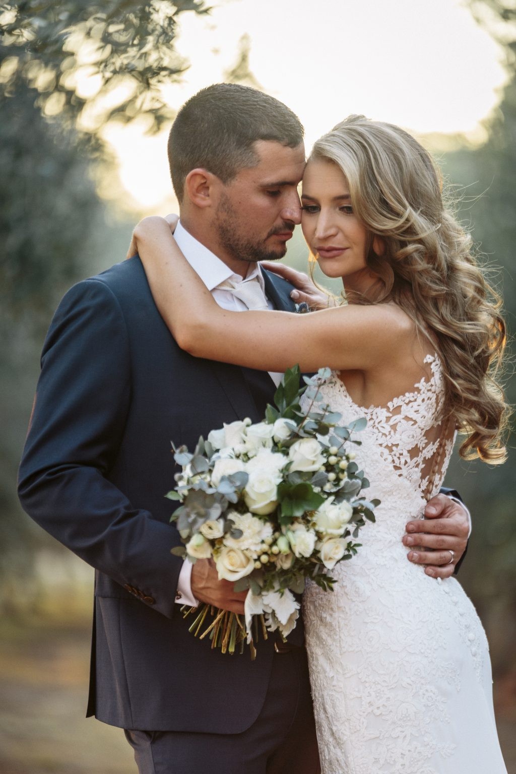 Spring wedding at Wandin Valley Estate, Willa Floral Design white bridal bouquet
