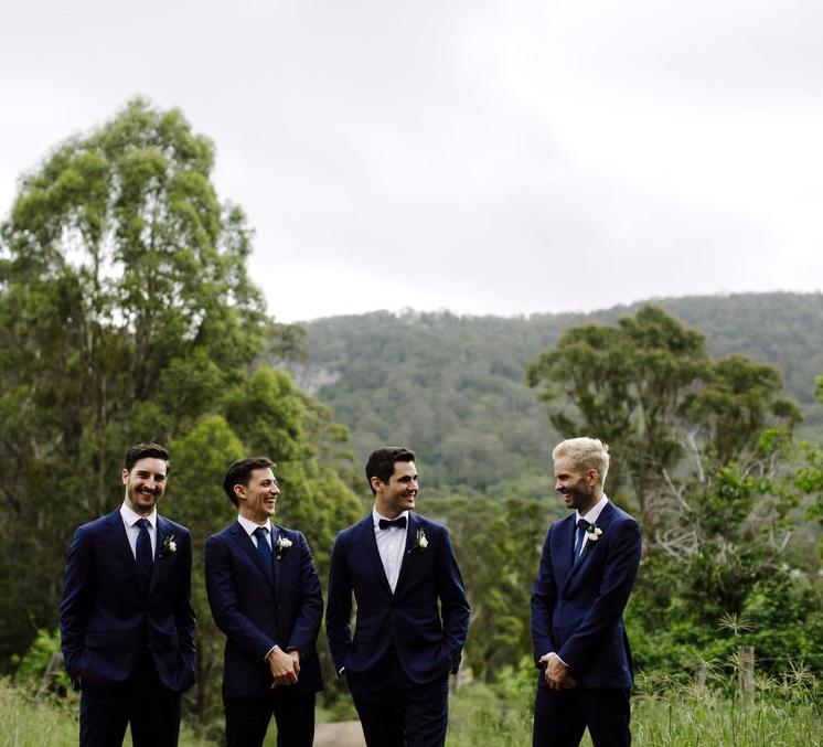 groomsmen's buttonholes