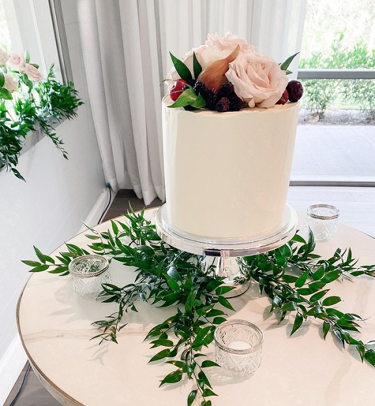 wedding cake and styling